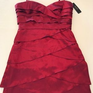 Laundry by Shelli Segal red tiered strapless dress